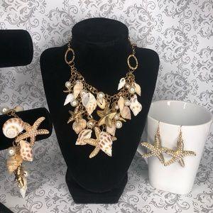 Fashion Gold tone Seashell Necklace!